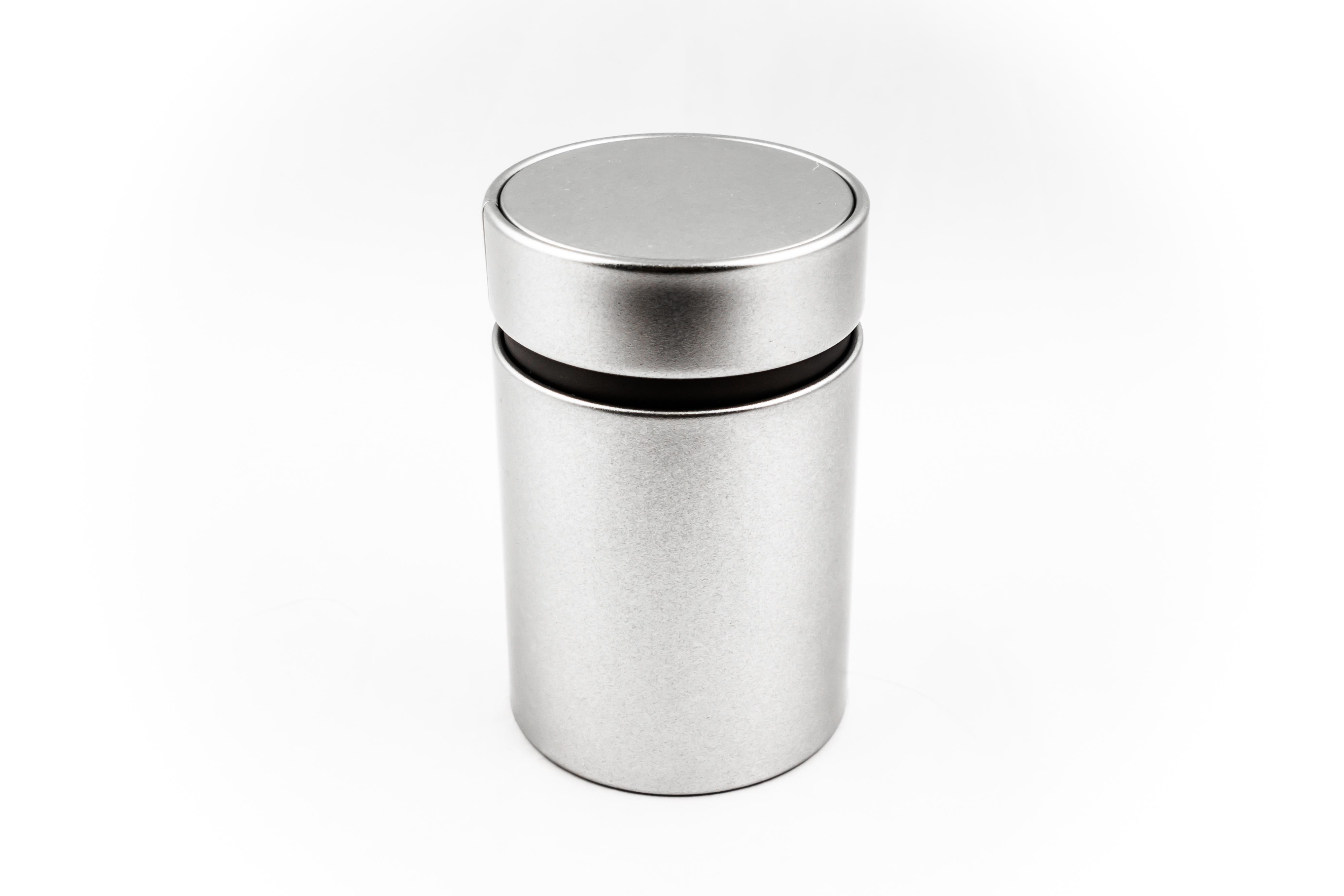 Round tinbox, premium with innerlid, sandblasted material